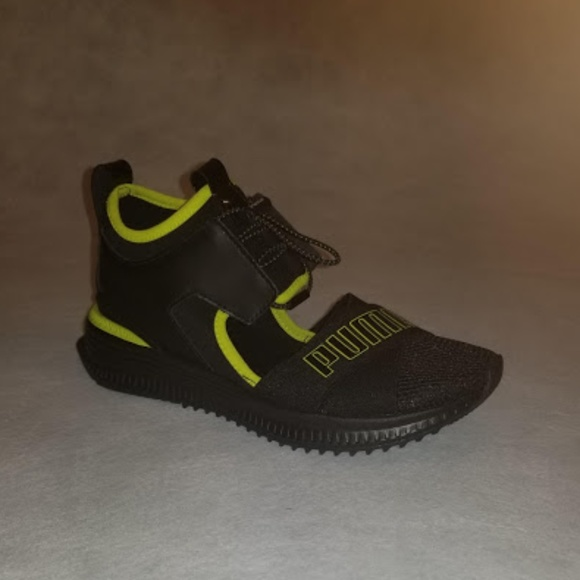 best sneakers 7fa57 5c4bd Fenty Puma by Rihanna Avid Trainer Size 7